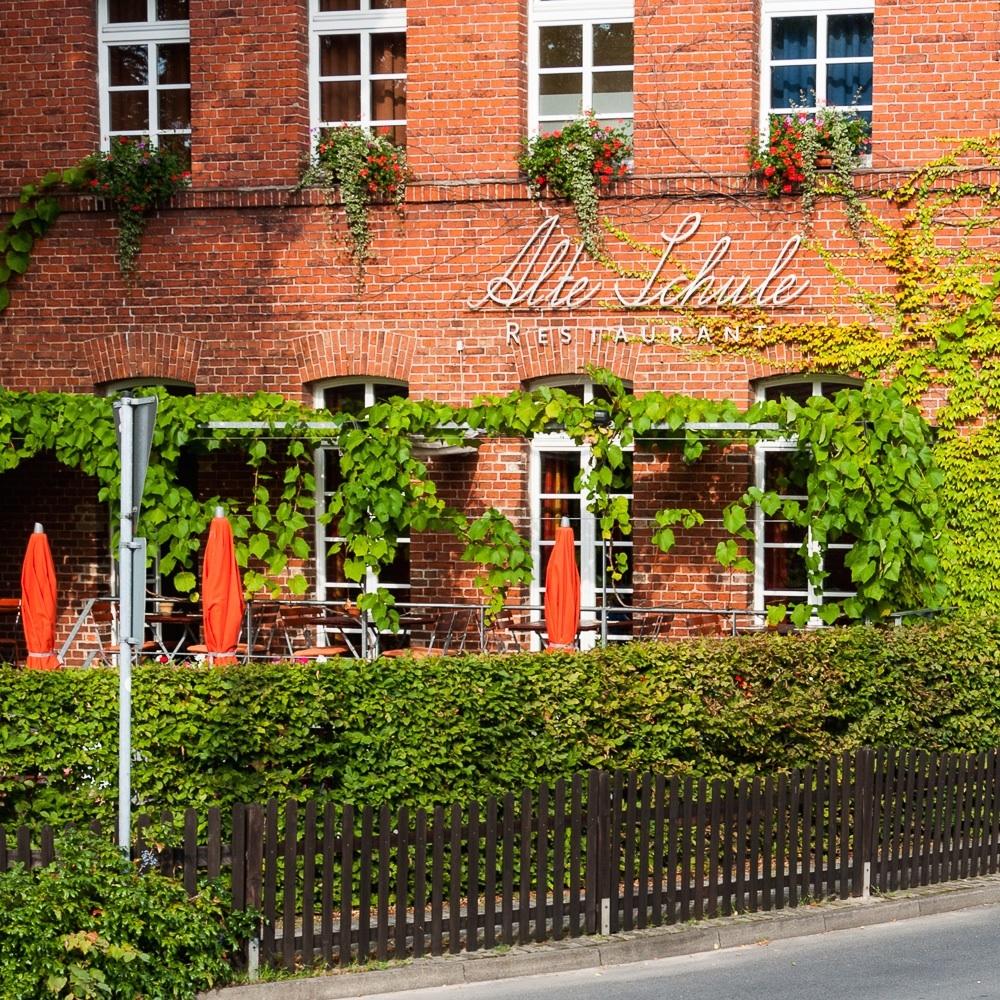 Alte Schule Restaurant Reichenwalde Umland Berlin Außenansicht