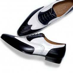 Binné-Designed in Hamburg-Brogues-Pik As