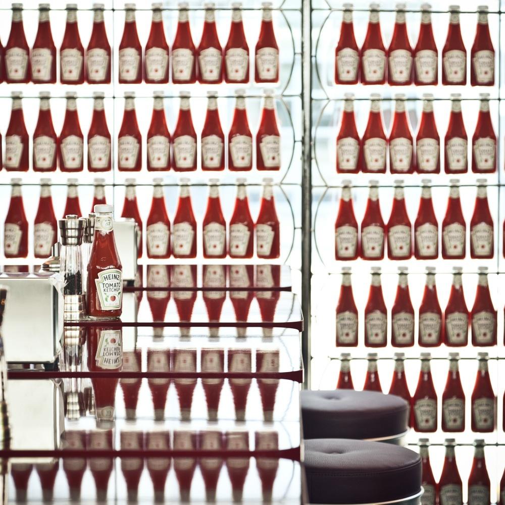 Helvti Diner Burger Zürich Ketchup