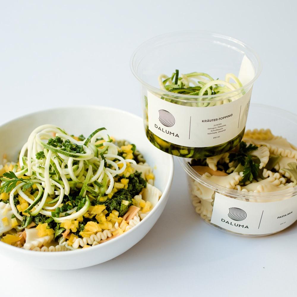 Daluma vegane Snacks Rosenthaler Platz Mitte Salat mit Toppings