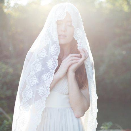 Elfenkleid Brautmode Mode Wien Hochzeitskleid mit Schleier