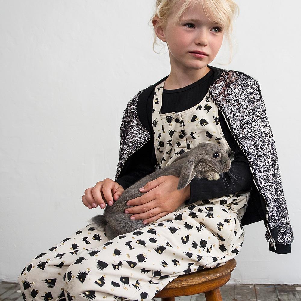 Milk Copenhagen Kindermode zuhause bestellen Klamotten für Mädchen