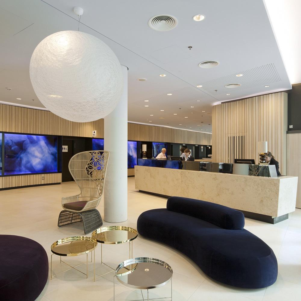 Scandic Hamburg Emprop City Hotel Lounge