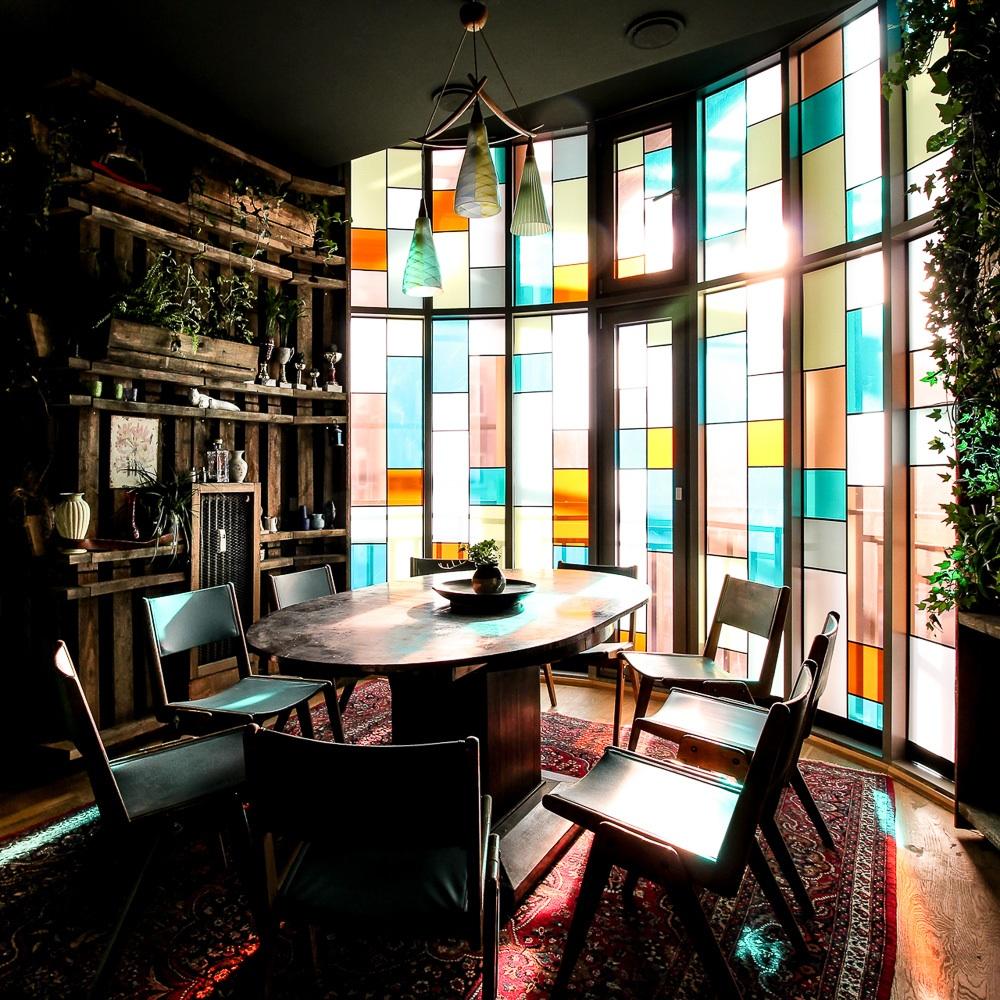 House of Small Wonder Café Berlin New York Fenster
