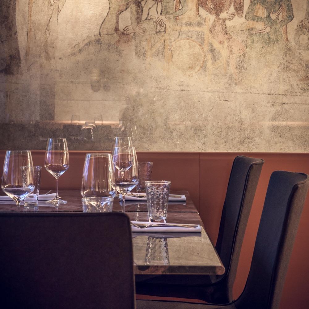 Münsterhof Restaurant Zürich Tisch