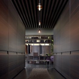 Poliform Varenna Showroom Berlin begehbarer Kleiderschrank