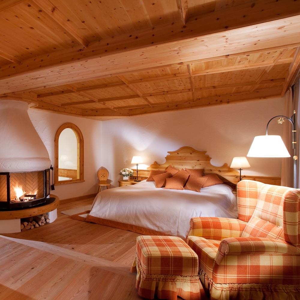 Stanglwirt Hotel Going am Wilden Kaiser Österreich Zimmer mit Kamin