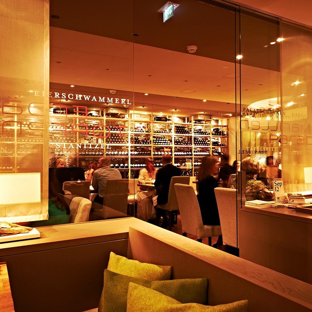 Tschebull Öterreichisches Restaurant Innenstadt Bar