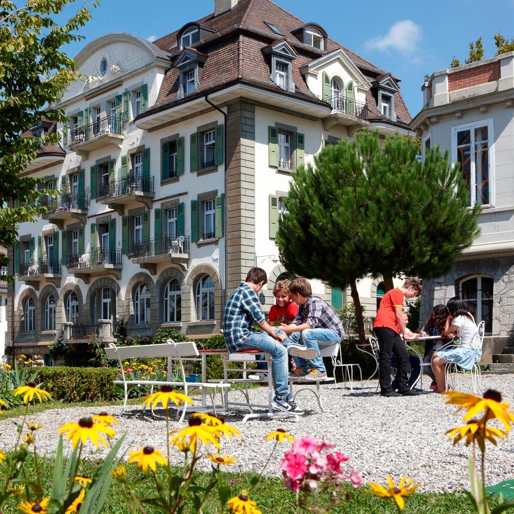 Brillantmont International School Lausanne Schweiz Hof