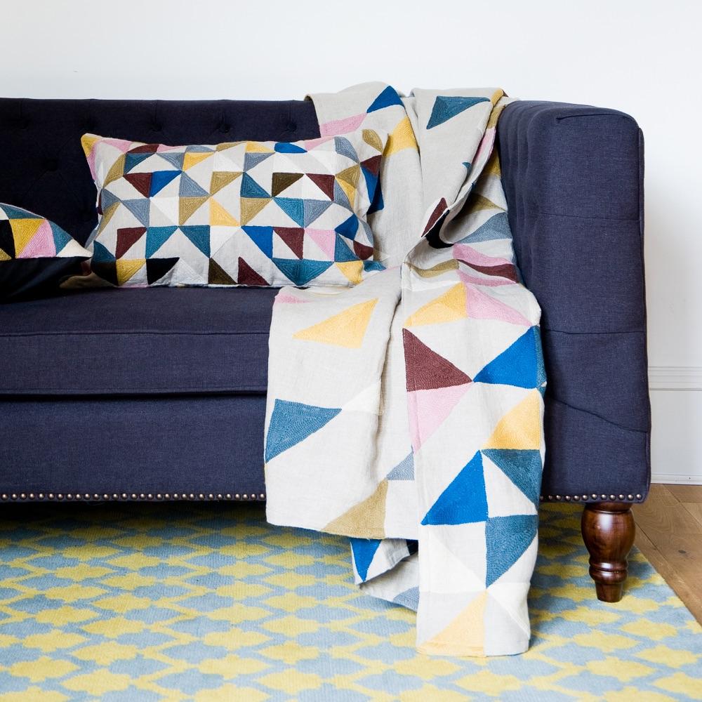 Dopo Domani Due Einrichtung Kantstraße Sofa mit Decke