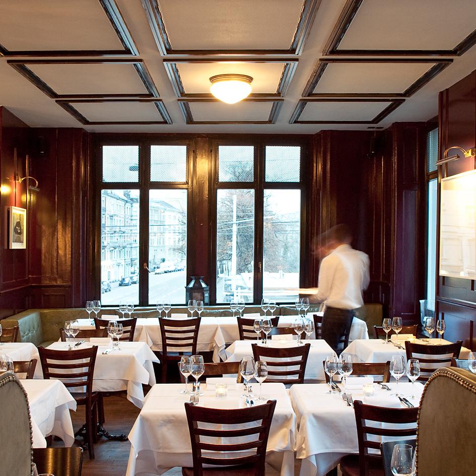 Helvetia Restaurant Bar Zürich Tische