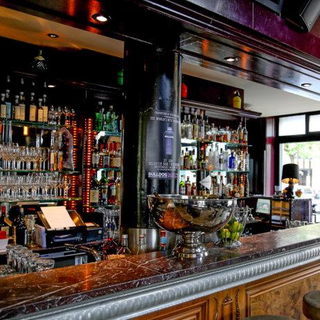 Helvetia Restaurant Bar Zürich Tresen