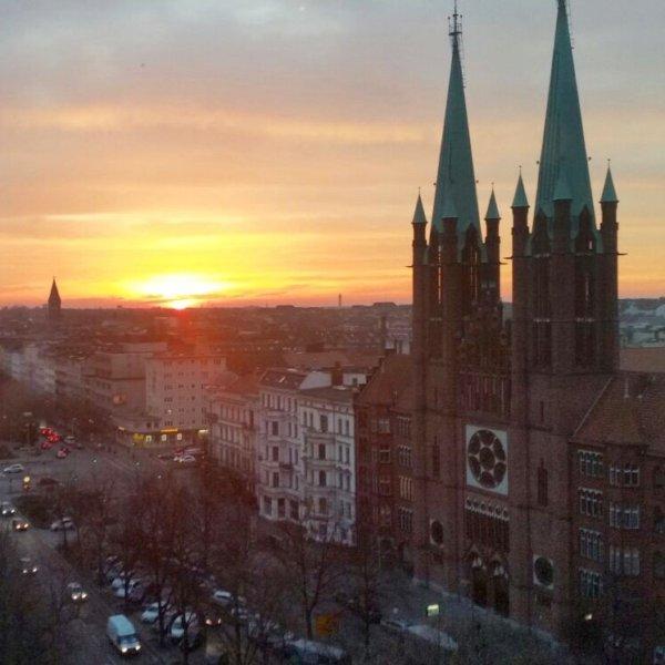 Kantine im Rathaus Kreuzberg - Berlin   CREME GUIDES