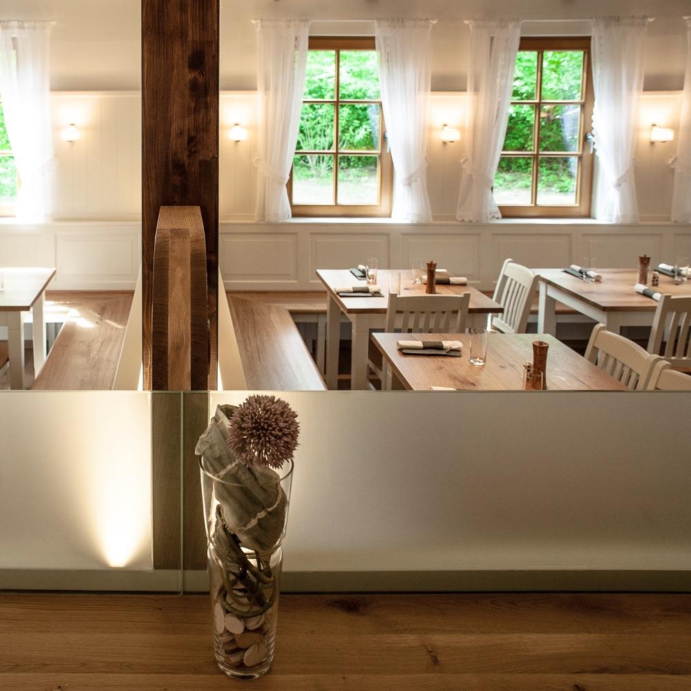 Klee Restaurant Terrasse am See Innenraum