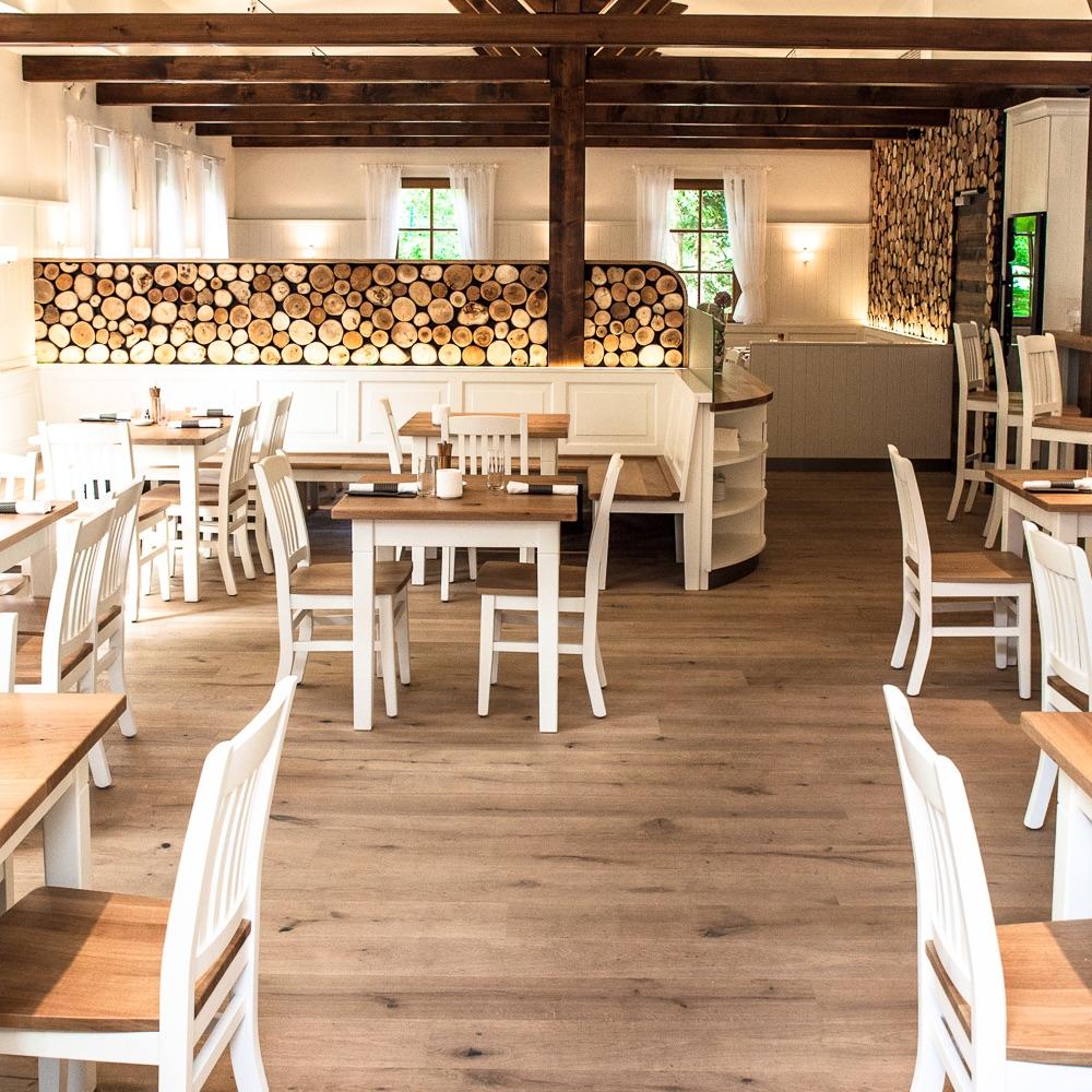 Klee Restaurant Terrasse am See Interieur