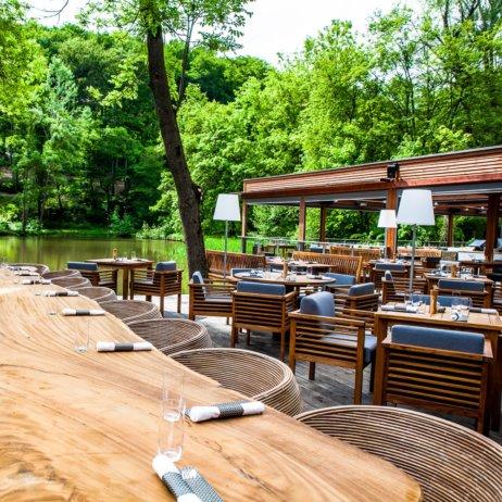 Klee Restaurant Terrasse am See Außenbereich