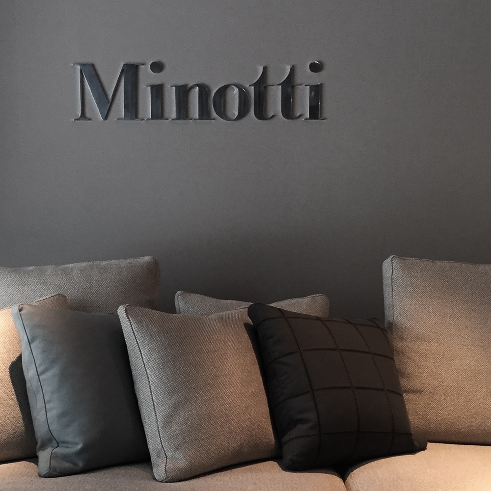 Minotti Showroom Berlin Kissen