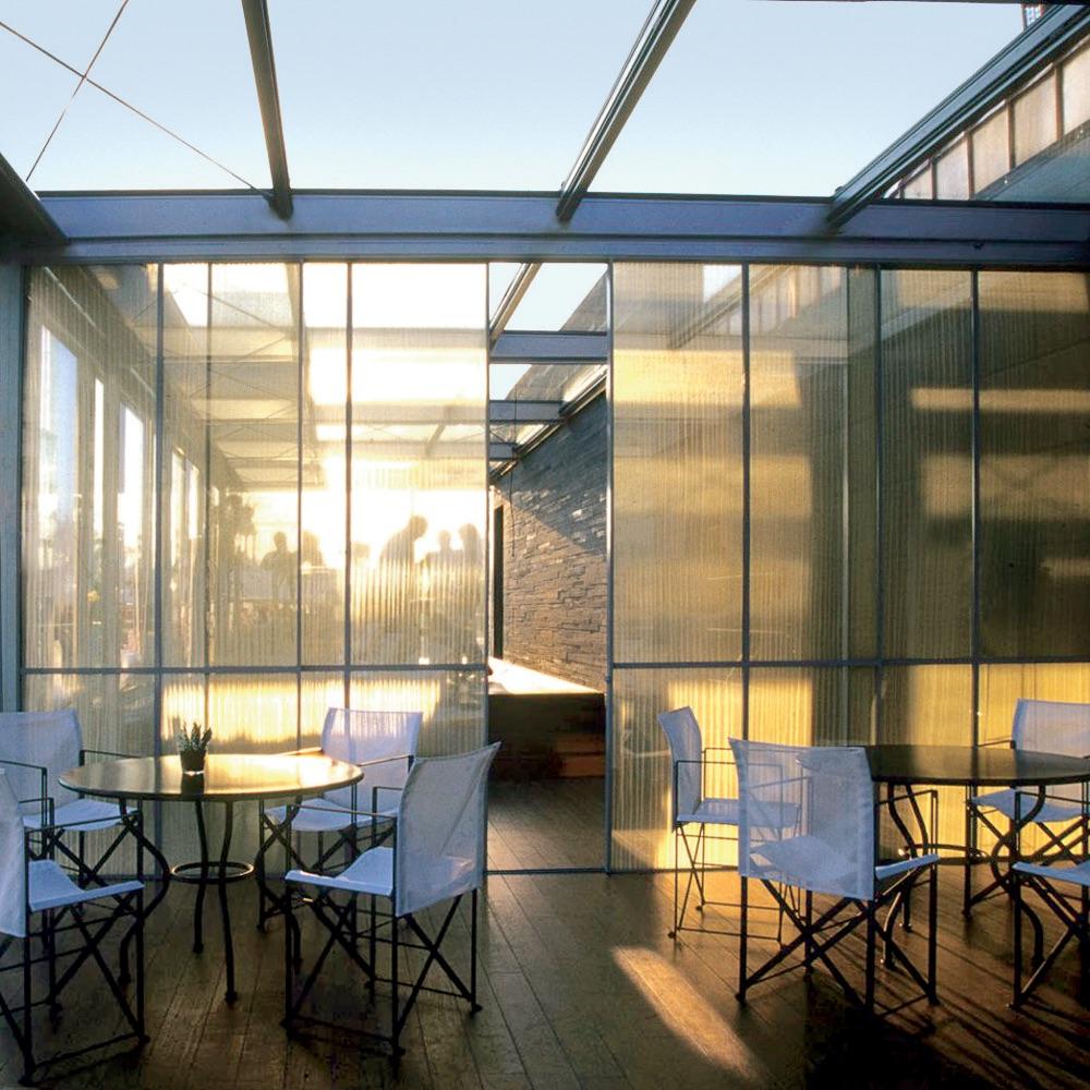 Bayerischer Hof Luxushotel München Blue Spa Lounge Tische
