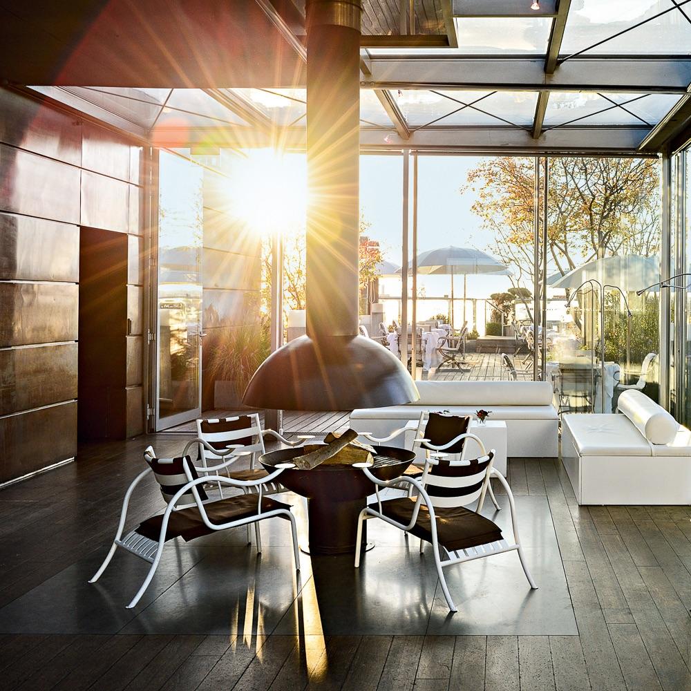 Bayerischer Hof Luxushotel München Blue Spa Lounge Kamin