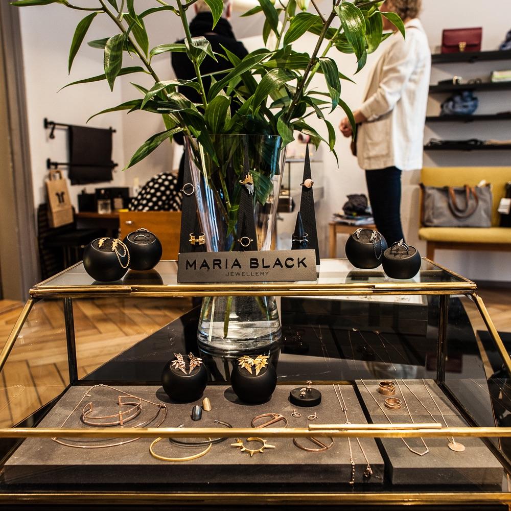 Freulein Frech Concept Store Zürich Schmuck Vitrine