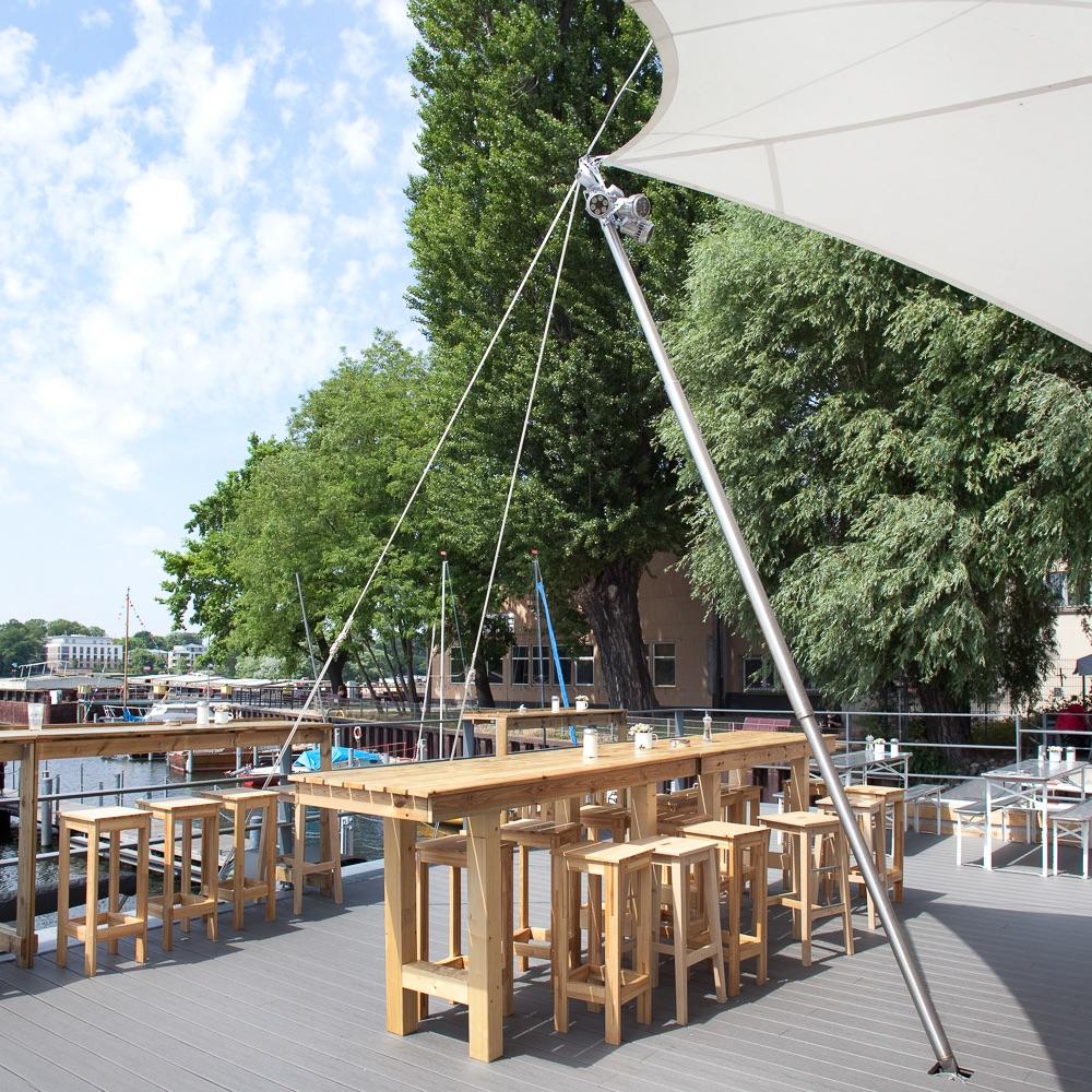 Hafenküche Hafenkante Biergarten Rummelsburg Tische