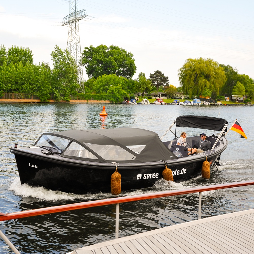 Spreeboote Berlin Rummelburger Bucht Lou 3
