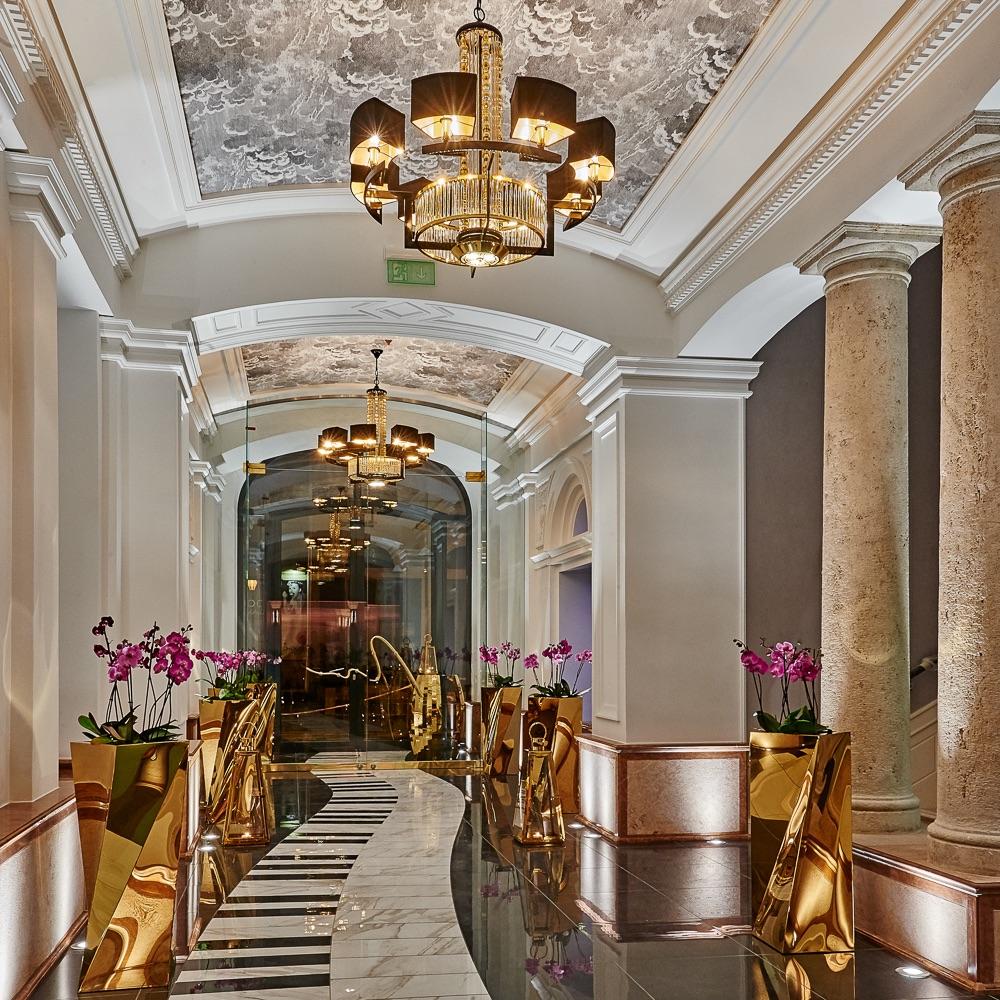 Aria Hotel Budapest Eingangsbereich