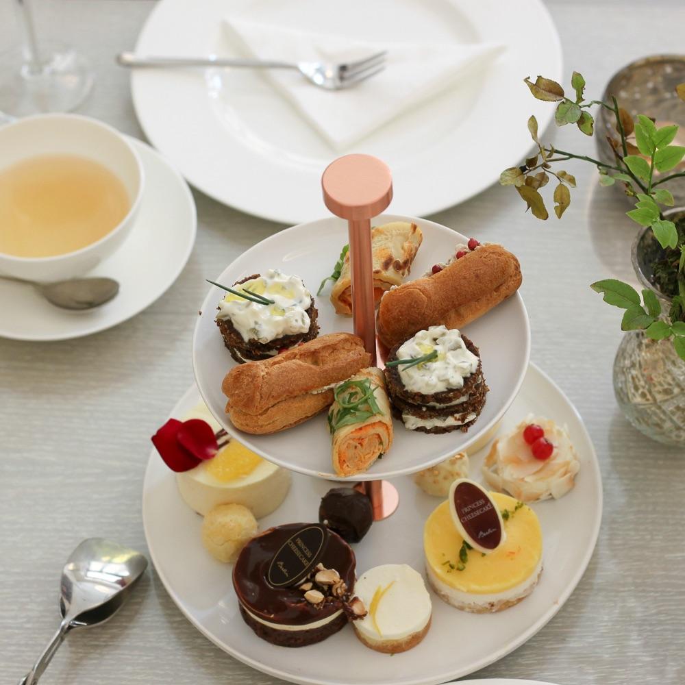 Dining Days Princess Cheesecake gedeckter Tisch