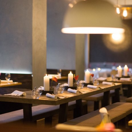 Kopps veganes Restaurant Berlin Mitte Tisch