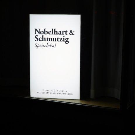 Nobelhart Schmutzig Restaurant Berlin Kreuzberg Schild