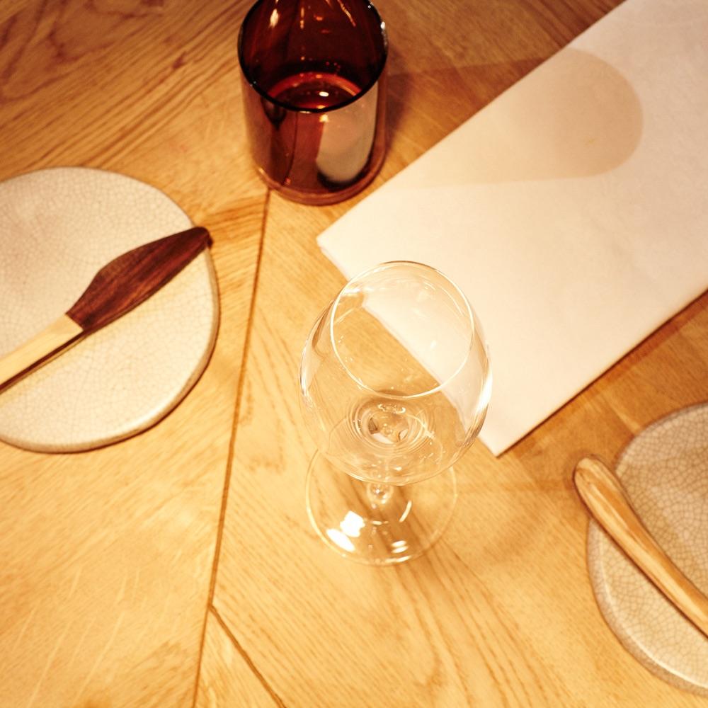 Nobelhart Schmutzig Restaurant Berlin Kreuzberg gedeckter Tisch