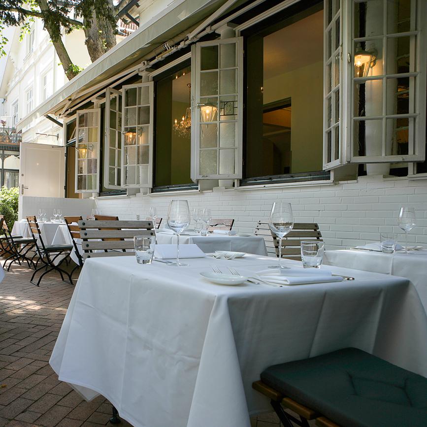 Anna Sgroi italienisches Restaurant Tisch im Außenbereich