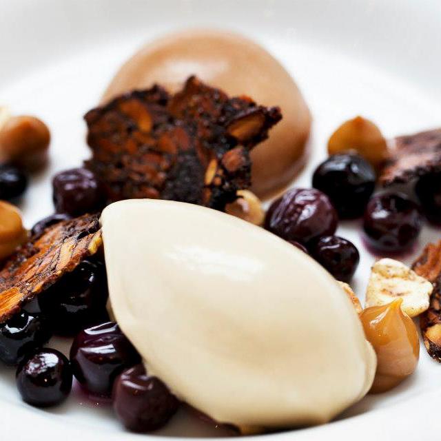 Rebel Restaurant Kopenhagen Dessert mit Früchten