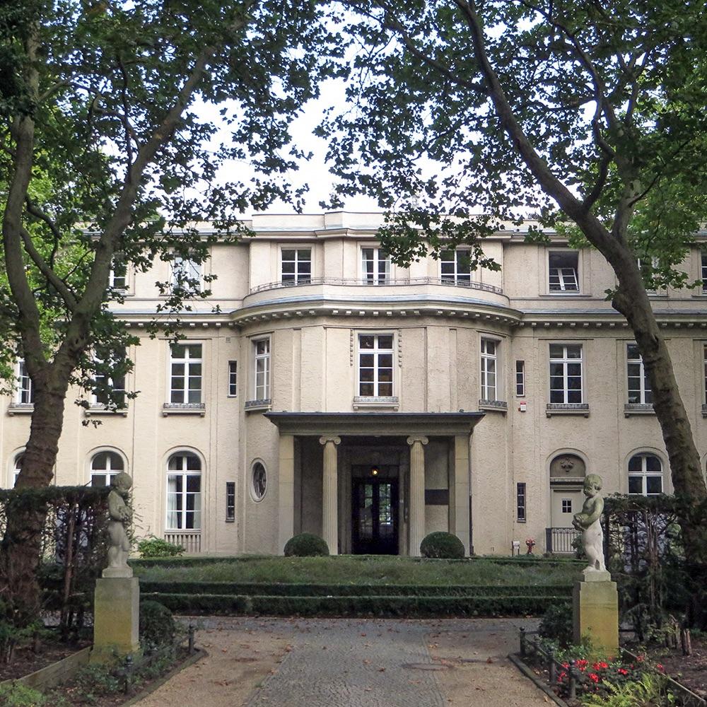 Secret Tours Stadtrundfahrten Berlin Herrenhaus