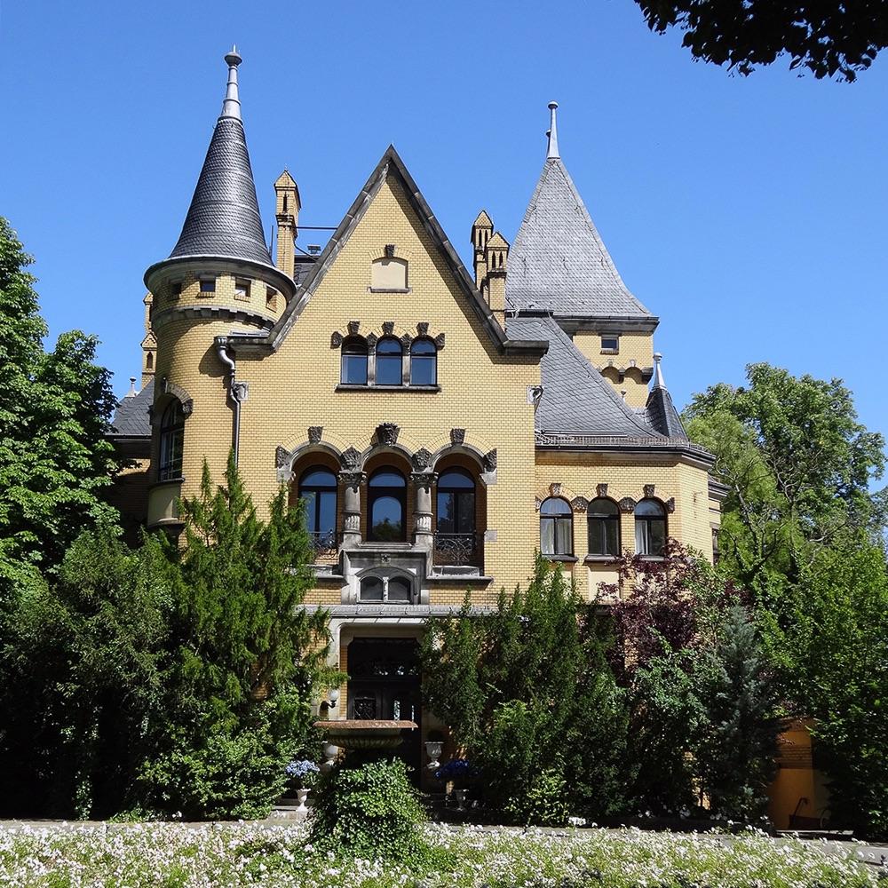 Secret Tours Stadtrundfahrten Berlin Villa