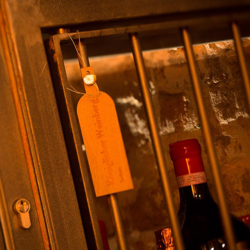 Tresor Vinum Wein Klub Keller München Weinregal