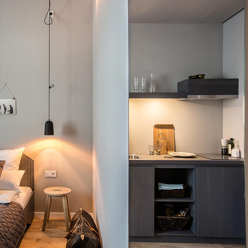 Bold Hotel München Giesing Zimmer mit Küchenzeile