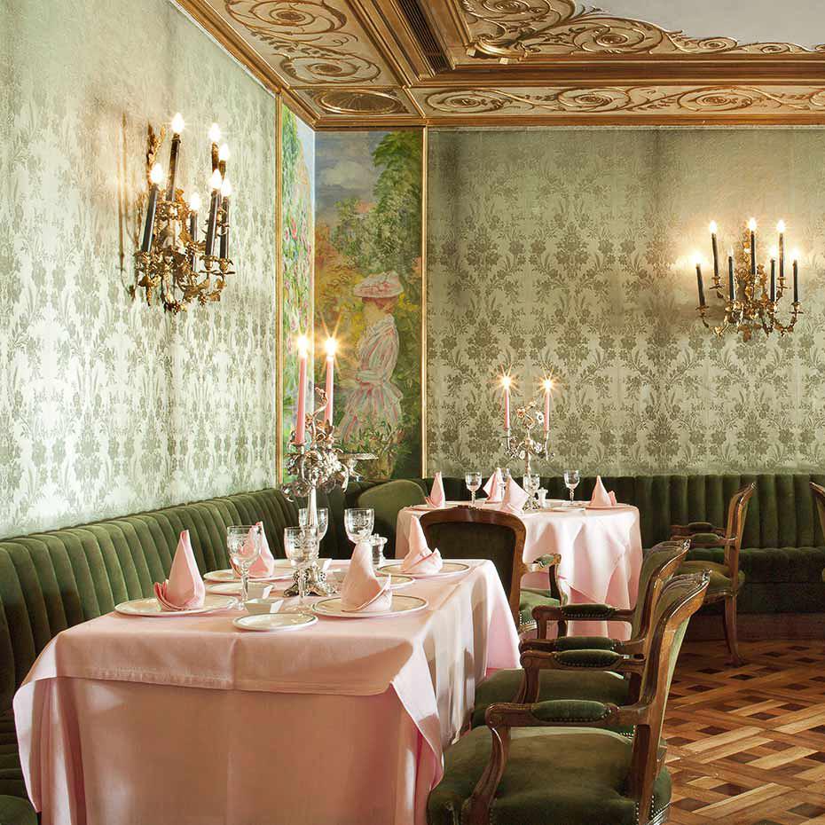 La Gavina Luxushotel am Meer Spanien Tisch