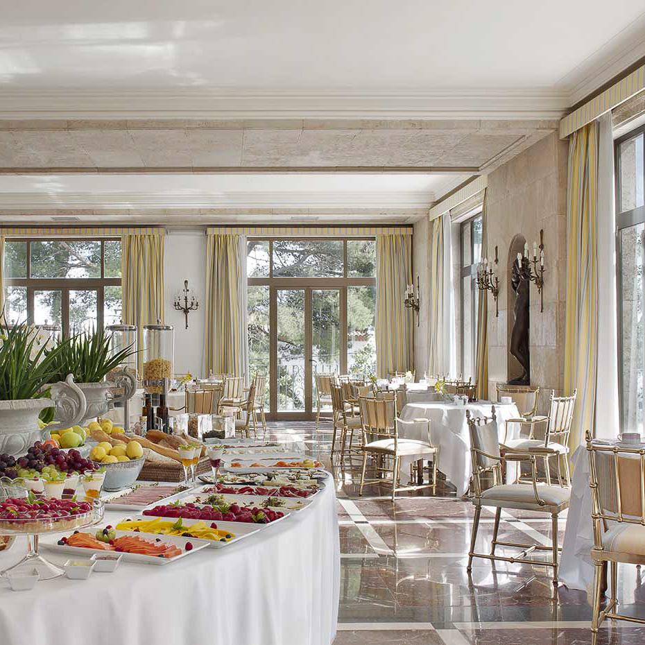 La Gavina Luxushotel am Meer Spanien Büffett