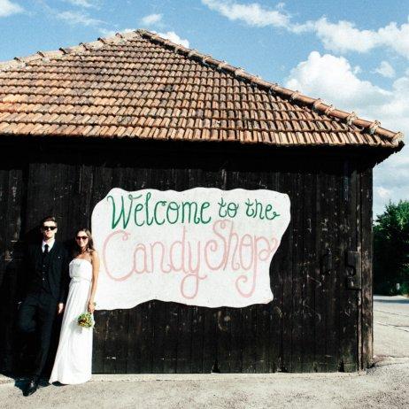 belle and sass Hochzeit Fotografie Schild
