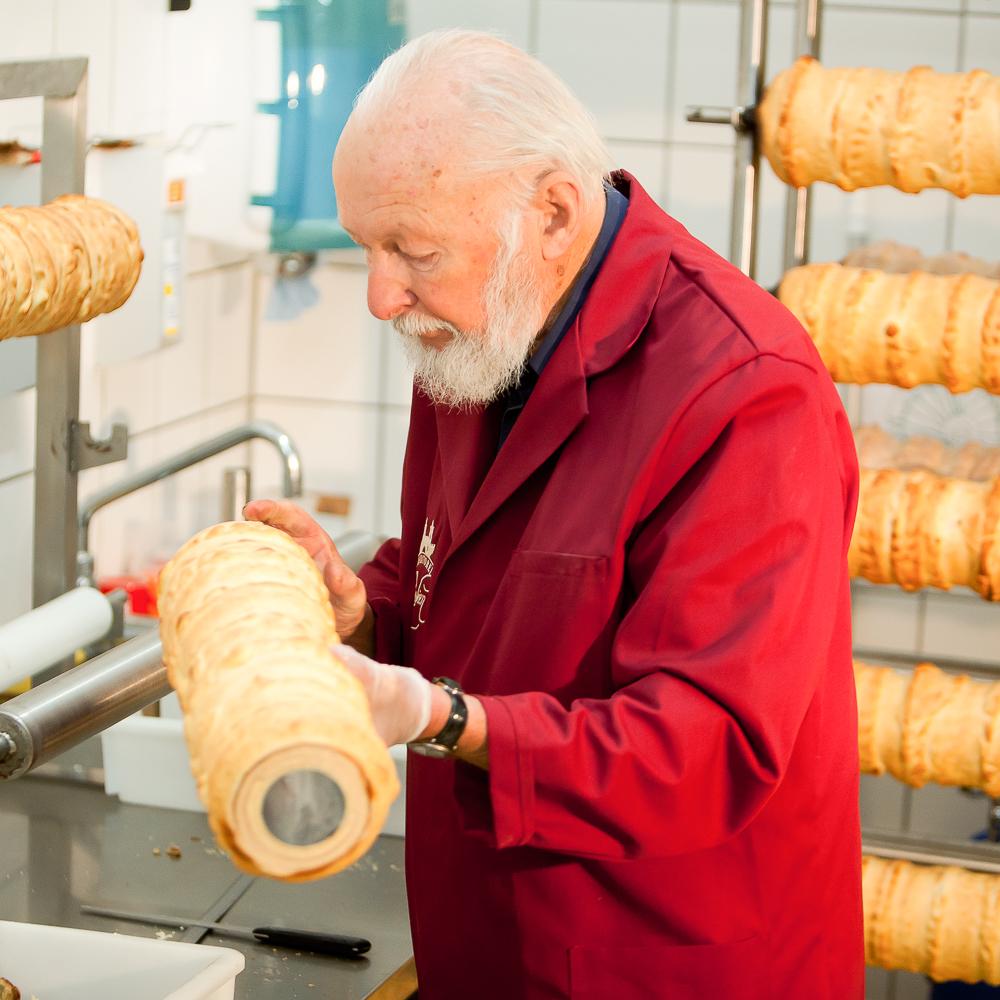 Rabien Baumkuchen Konditorei Berlin Qualitätskontrolle
