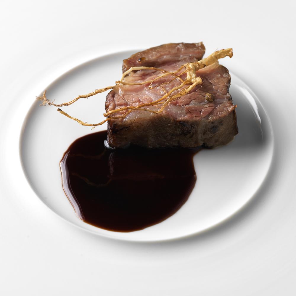 Einsunternull Restaurant Fleischgericht