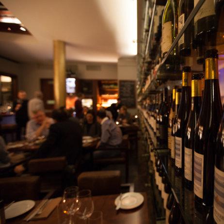 Rutz Weinbar Restaurant Berlin Gastraum