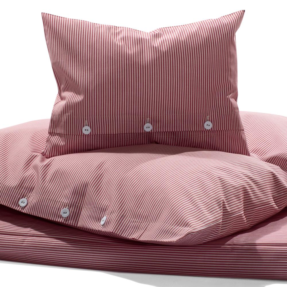 Stoffkontor Bettwäsche mit Feinstreifen Rot