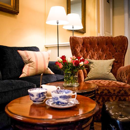 Browns Tea Bar München Sessel