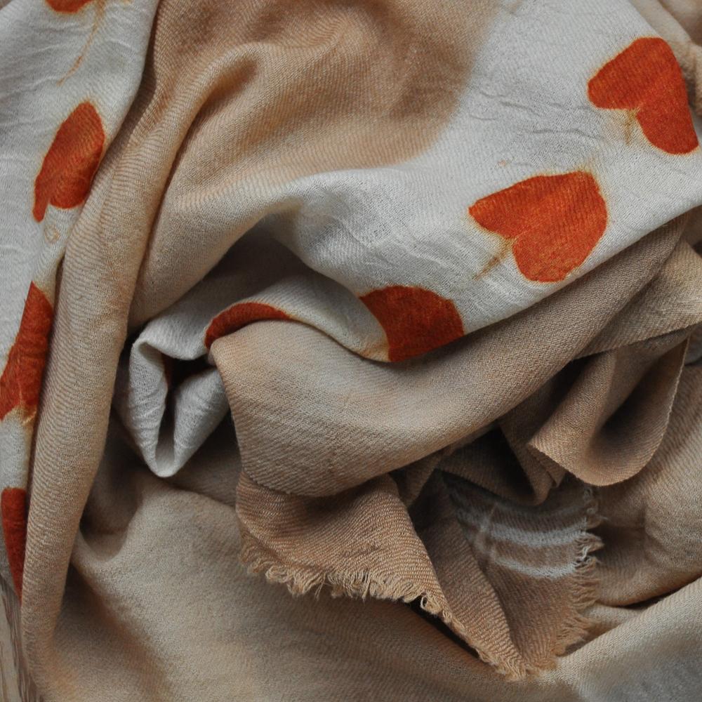 Tankai Taschen und Tücher Wien gemustertes Tuch