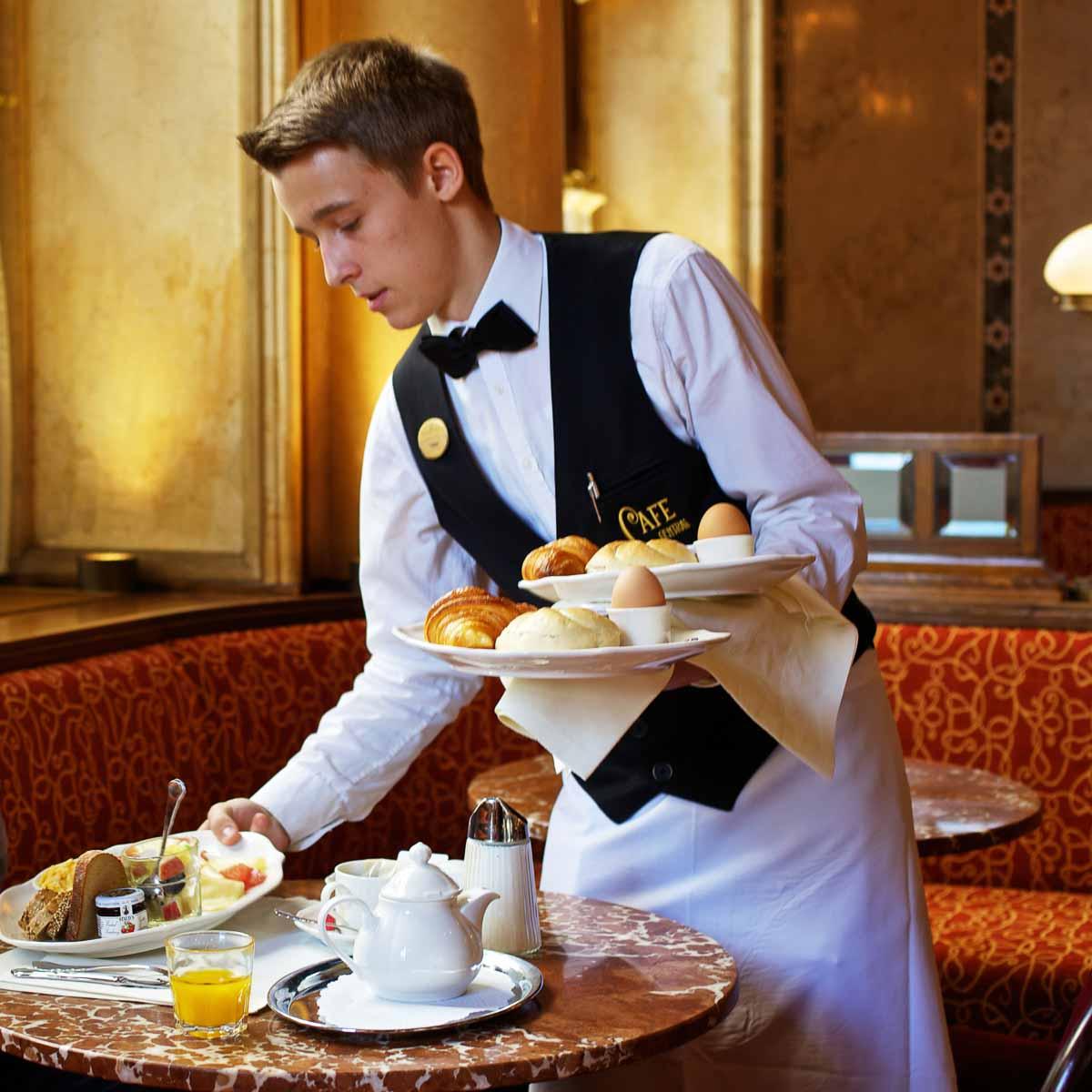 Café Central im Palais Ferstel in Wien-4