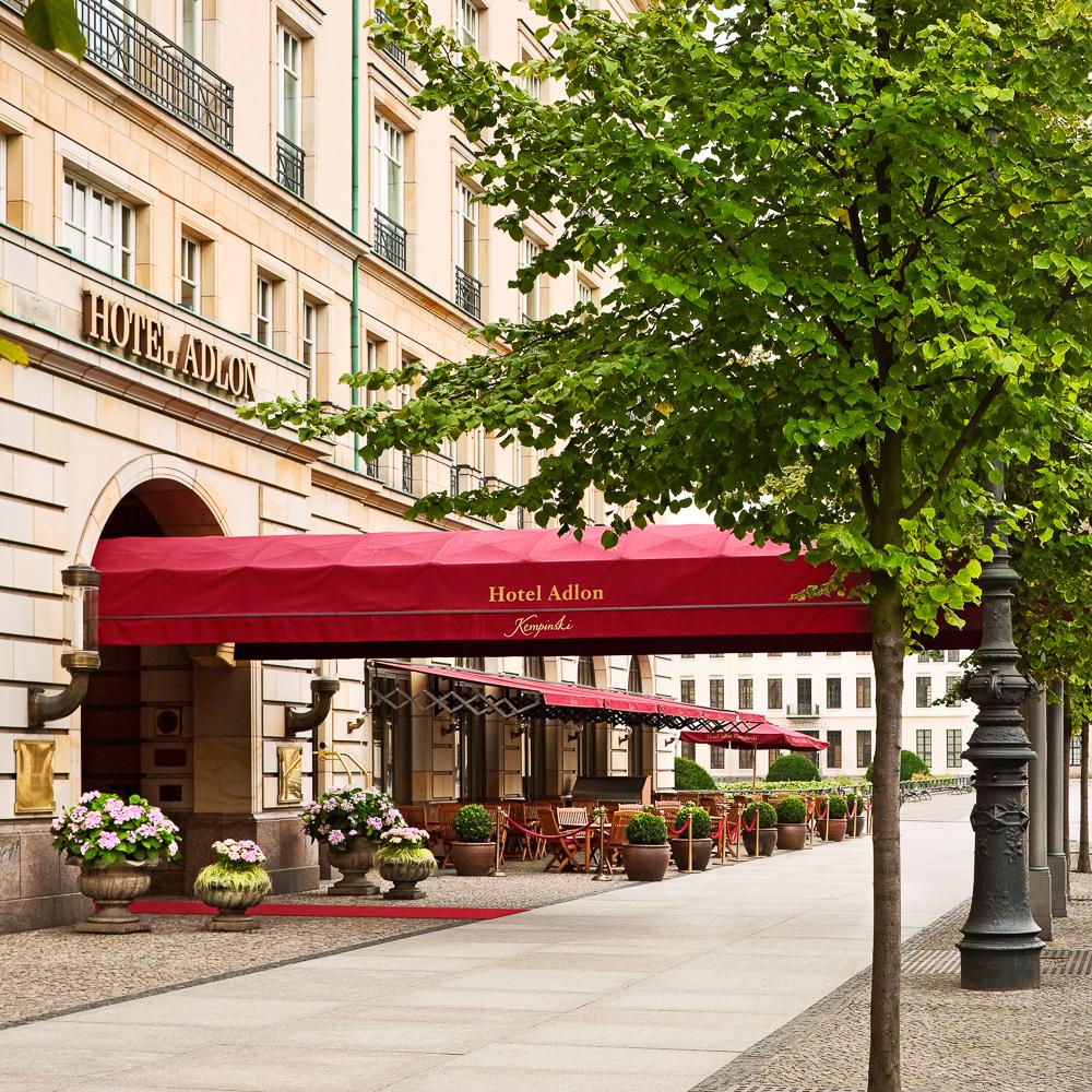 Adlon Hotel Berlin Kempinski Brandenburger Tor Eingang