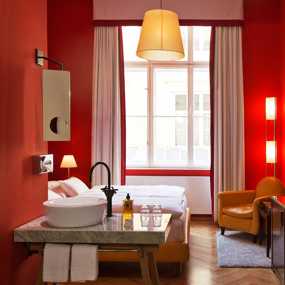 Hotel altstadt vienna vienna creme guides for Boutique hotel vienna