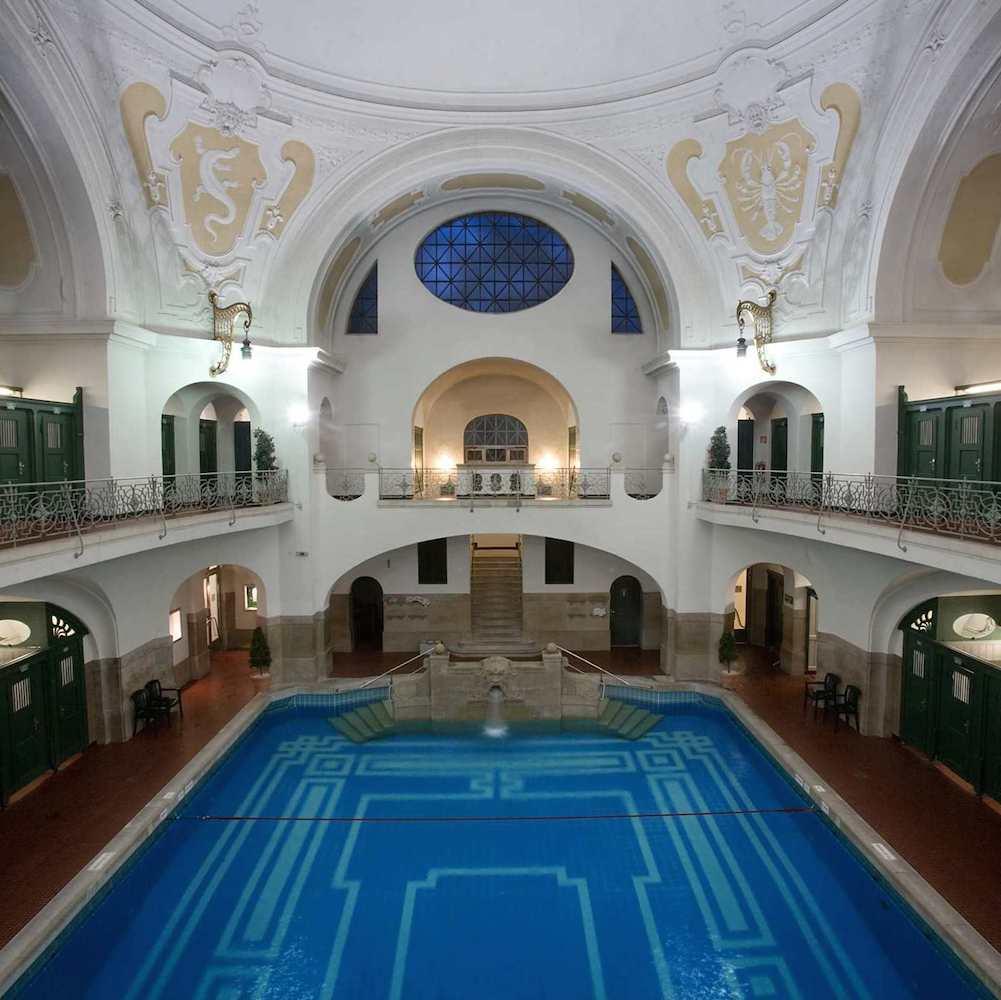 Müller'sches Volksbad Munich Au - Munich | Creme Guides 15 Sport Schwimmbad Designs